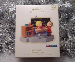 2008 Hallmark School Days Peanuts Gang Linus and Sally Magic Sound Ornament New