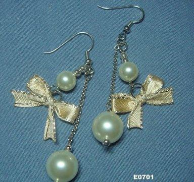 eBeauty*E0701 - Pearl & Ribbon Ear Rings