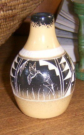 Signed Navajo Pottery Vase Hummingbird Design Free Shipping