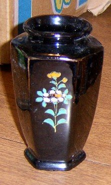 Free Shipping Mid Century 1950's Made in Japan Black Vase w/ Handpainted Flowers
