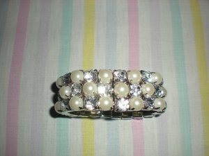 Brand New Pearls and Gems Fashion Bangle Lady Party Jewelry