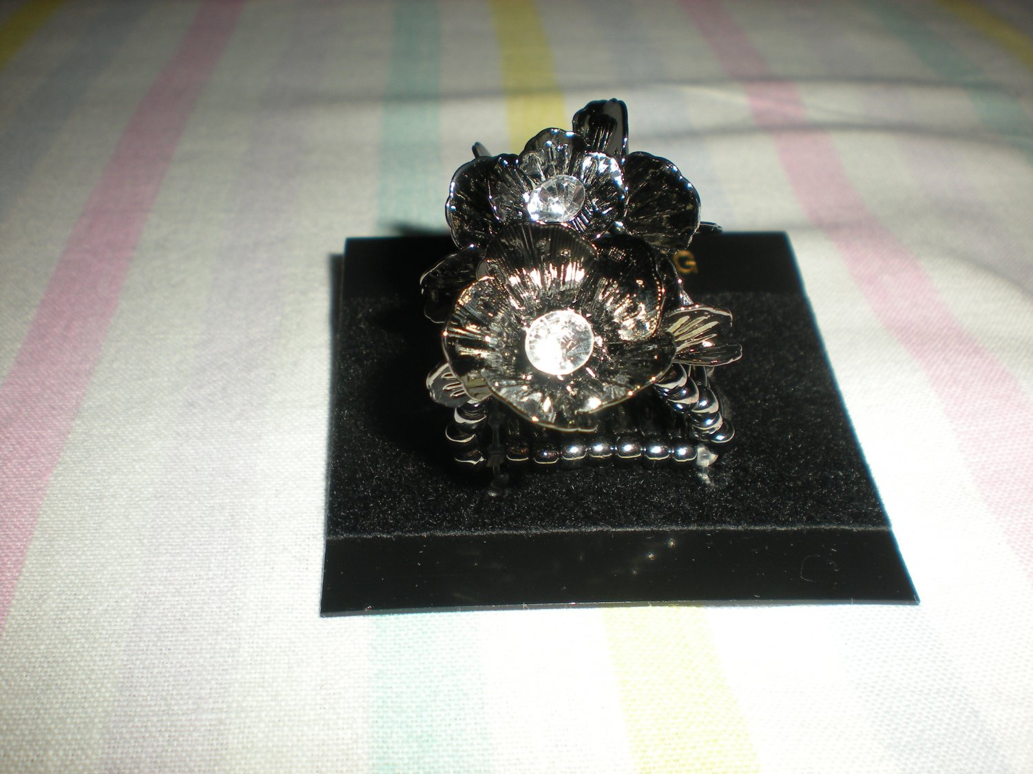 Brand New Fashion Stretch Ring Lady Party Jewelry Hematite and White Stones
