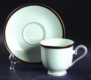 Lenox China - Kristy pattern - Multiple Pieces & Place Settings