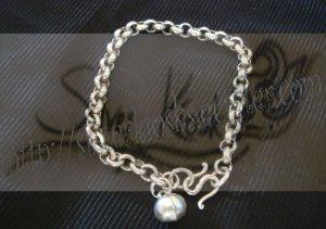B03plain bracelet with round bell