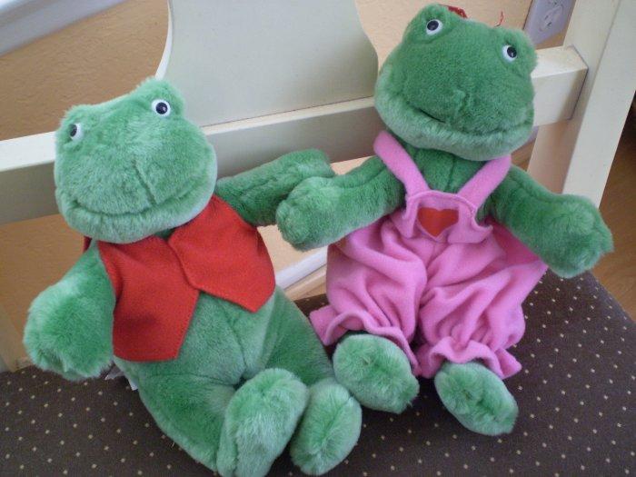 "Hallmark Pair  Frog Lovers Male & Female Velcro Hands 9"" Valentine"