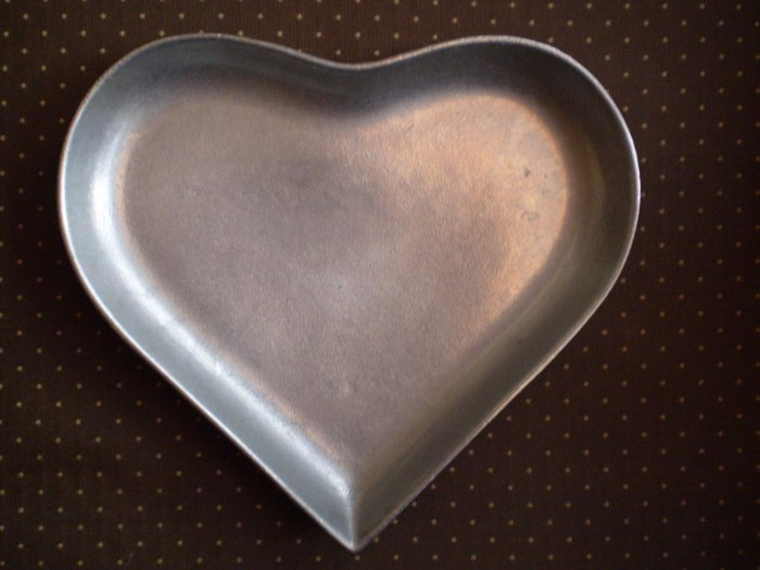 PEWTAREX HEART PEWTER TRAY PLATE OLDE COUNTRY REPRODUCTIONS