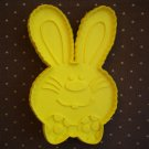 VINTAGE HALLMARK COOKIE CUTTER EASTER BUNNY YELLOW 1975 RABBIT