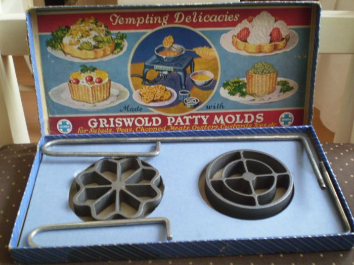 VINTAGE GRISWOLD PATTY MOLDS Set No 1 Shallow Pattern in box