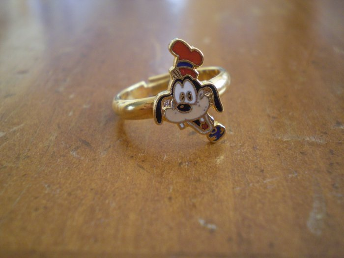 GOOFY ENAMEL RING ADJUSTABLE VINTAGE GOLD-TONE METAL DISNEY