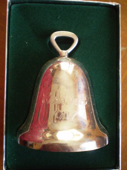 1997 REED & BARTON SILVERPLATE CHRISTMAS BELL ORNAMENT 329/3
