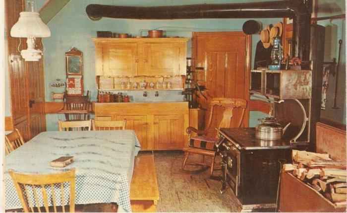 Pennsylvania Dutch Country Amish Farm House vintage postcard