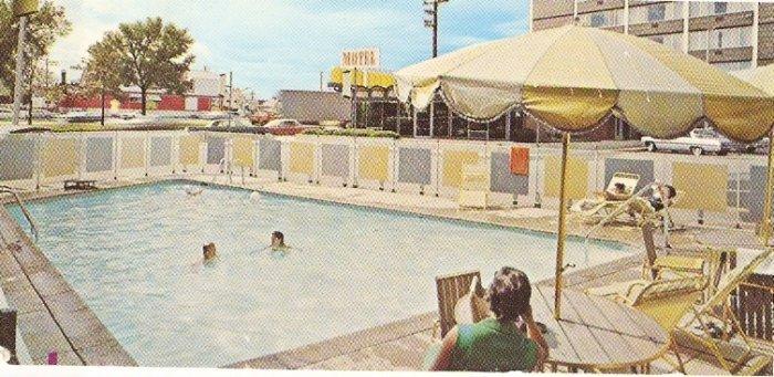 Birmingham House Michigan Inn Motel vintage postcard