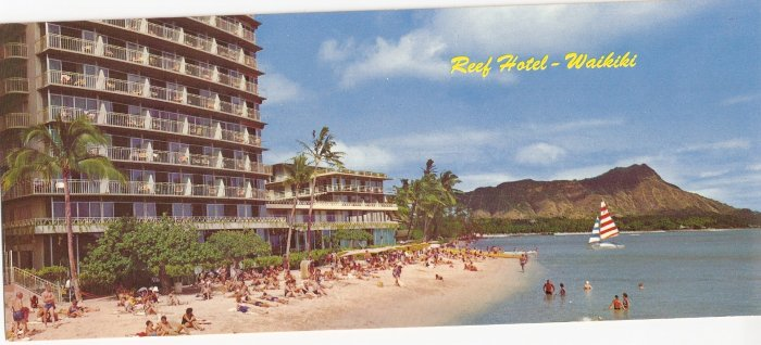 Reef Hotel Waikiki Hawaii Diamond Head vintage postcard