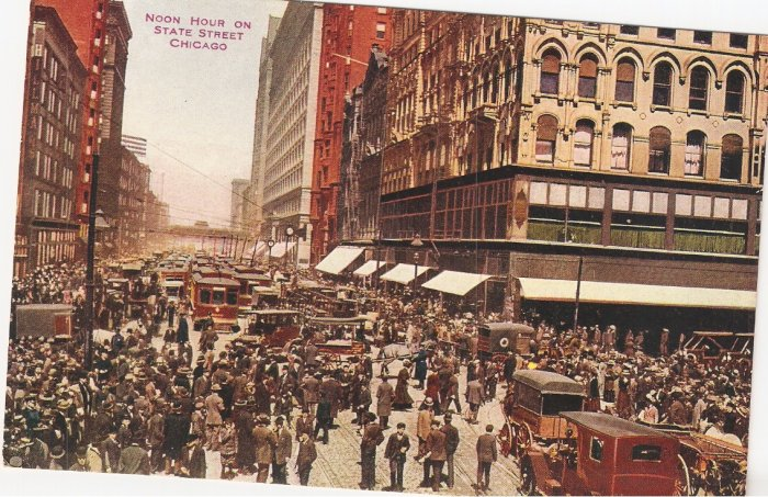 Noon Hour State Street Chicago Illinois vintage postcard