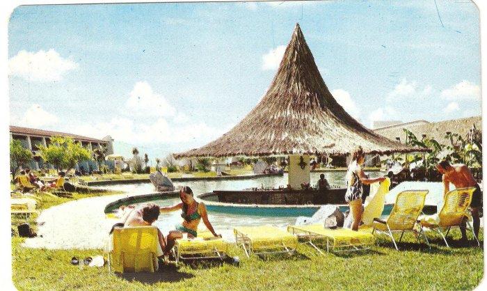 Vintage Postcard Alberca del Hotel Tapatio Swimming Pool Mexico