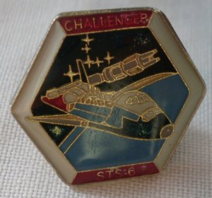 Challenger STS 6 Pin Space Shuttle Enamel Goldtone Metal Vintage Hexagon