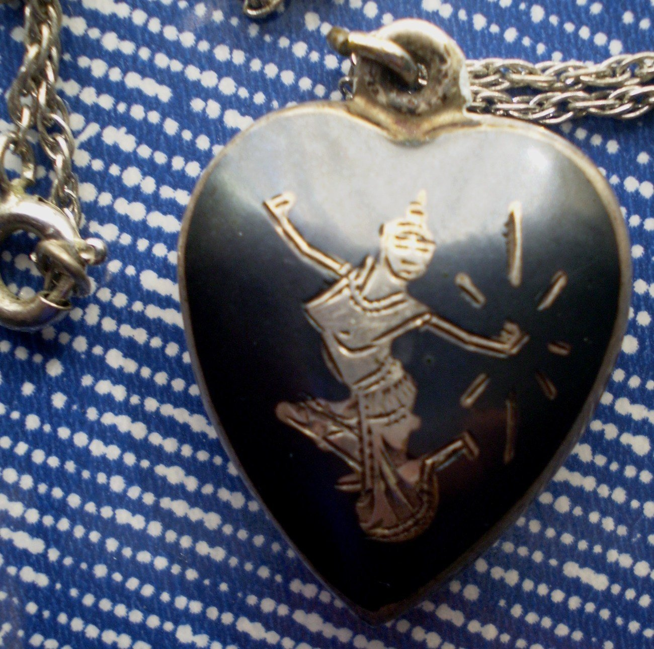 Vintage Thai Pendant Necklace Sterling Silver Heart Dancer