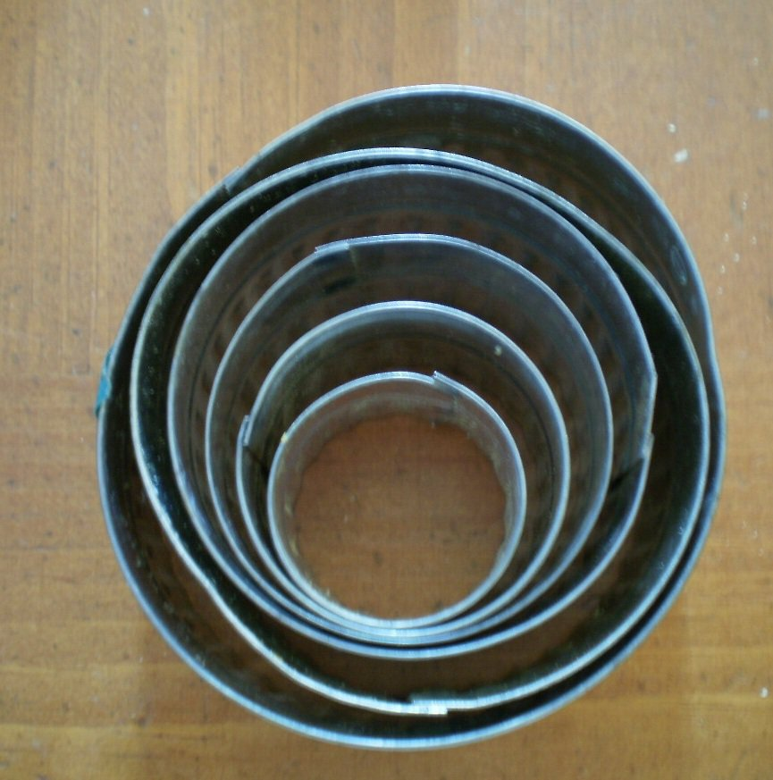 Vintage Metal Cookie Cutters Set 6 Nesting Graduated Circles W Germany Fluted
