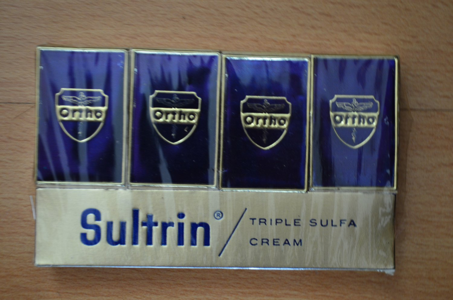 VINTAGE SULTRIN ORTHO ADVERTISING MATCHES Box Triple Sulfa Cream 4 New Matchbox