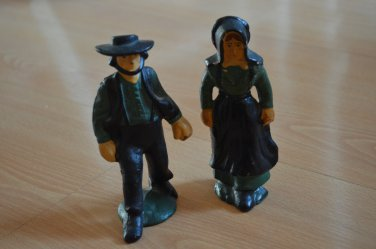 Vintage Cast Iron Pilgrim Couple Man Woman Amish Figurine Metal