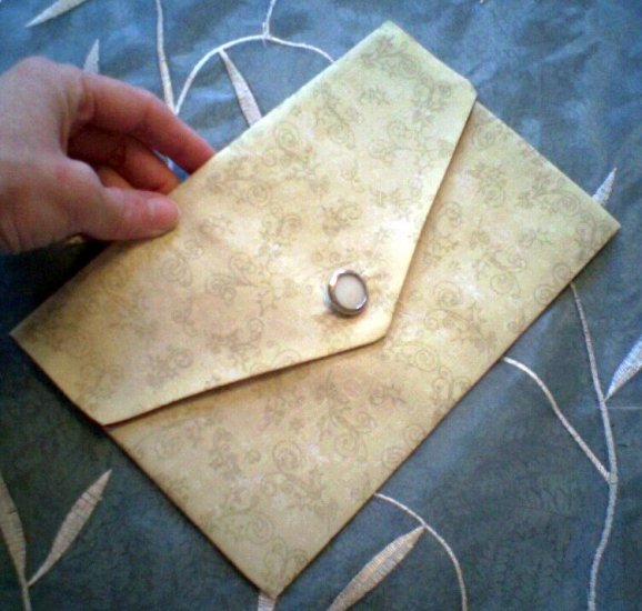 Reversible Envelope Clutch
