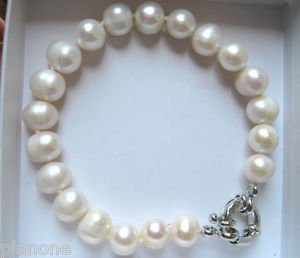 "8-9mm Cultured Pearl Bracelet in Black or White 7.5"" Long"