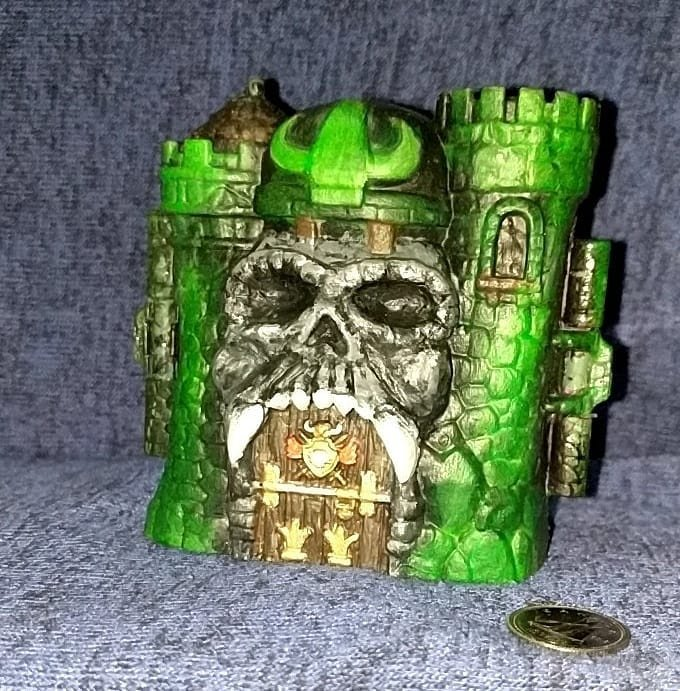 Castle Grayskull custom Glow-in-the-dark statue (MOTU Eternia Minis)
