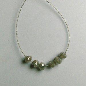 1.16 ct. Diamond Bead Collection � intense silver sparkle