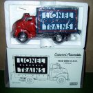 Lionel Eastwood 116700 GMC 1952 COE Van 1:34 Die Cast New