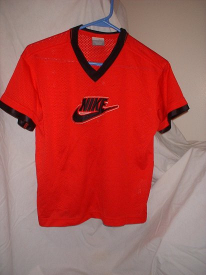 Boys size 8 NIKE sports shirt RED ***INCLUDES SHIPPING!*** we combine shipping too!