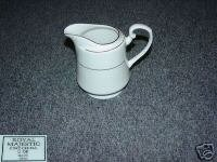 Royal Majestic D'Or 1 Cream Pitcher ( Creamer )