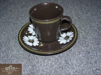 Mikasa Ravenna 4 Cup and Saucer Sets - MINT