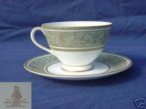Royal Doulton English Renaissance 4 Cup/Saucer Set MINT