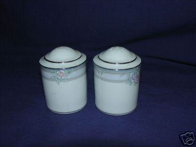 Noritake Lanchashire Salt and Pepper Shaker Set