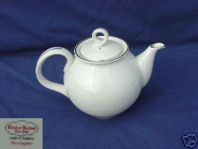 Theodore Haviland NY Davenport Tea Pot with Lid - MINT