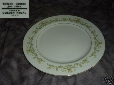 Towne House Golden Regal 3 Dinner Plates