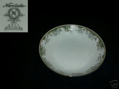 Noritake Fellicia 6 Coupe Soup Bowls