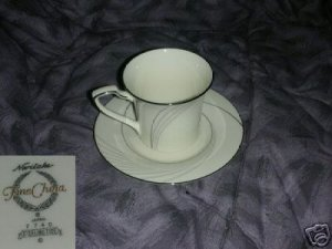Noritake Sterling Tide 4 Cup and Saucer Sets