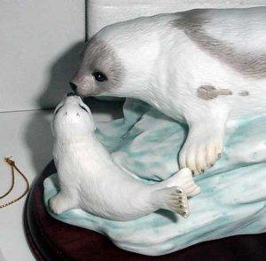 HOMCO Masterpiece Porcelain Harp Seals Endangered Species
