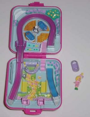 Bluebird 1989 Polly Pocket Polly World Fun Fair COMPLETE