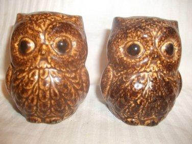 Vintage Pair Brown Owl Salt and Pepper Shaker Set Ceramic Pottery CUTE!!
