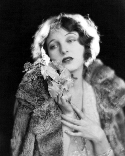 Actress Corinne Griffith Photo 5 The Divine Lady