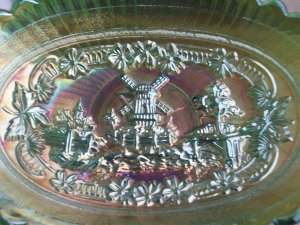 VINTAGE IMPERIAL CARNIVAL GLASS WINDMILL PICKLE DISH