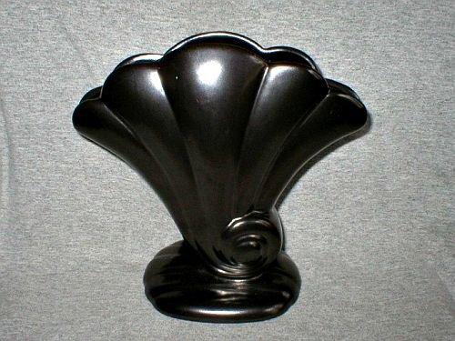 Red Wing Art Pottery Sea Shell Fan Vase #892
