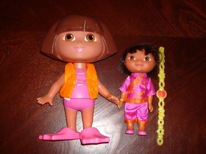 DORA The Explorer Doll Lot Bath-Time & World Adventure
