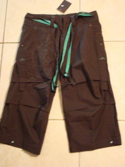 NwT M 8-10 NIKE Women Rhythm Radiance Capri Pants New Medium