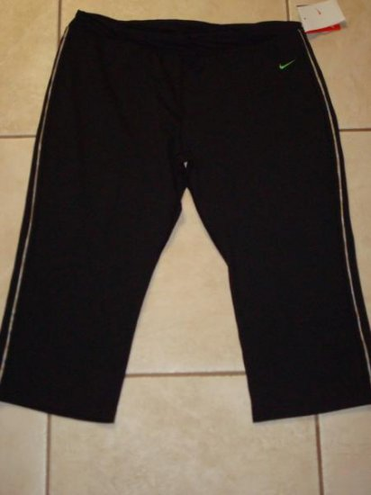 NwT XL NIKE Women Dri-FIT Twisted Align Capri Pants New Xlarge