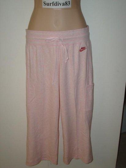 NwT S 4 6 NIKE Women Max Relax Pink Capri Pants New $40 Small