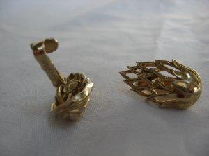 Coro gold tone artichoke clip on earrings