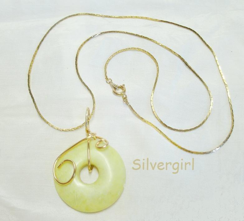 """1 1/4"""" Green Serpentine Gemstone Donut Necklace"""